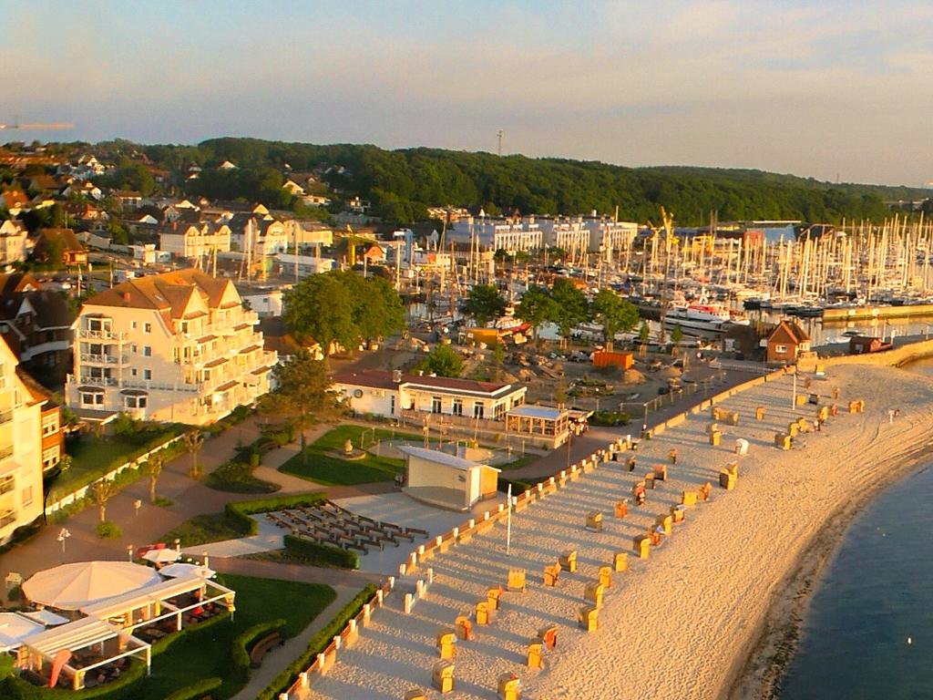 Luftaufnahme Ferienwohnung an der Ostsee in direkter Strandlage